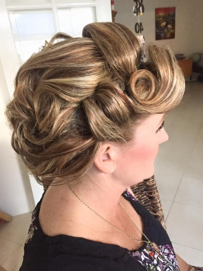 Retro 50's style hairstyle